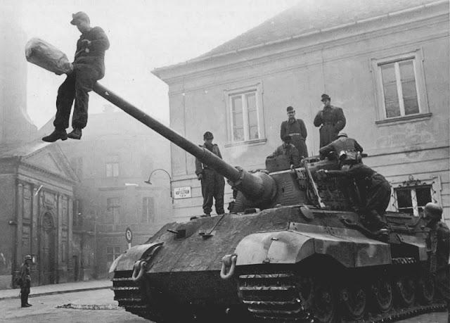 King Tiger tank worldwartwo.filminspector.com