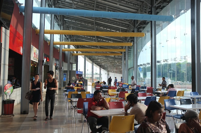 Travel Service Centre on an Expressway Welipanna