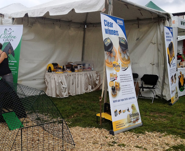 brooder booth