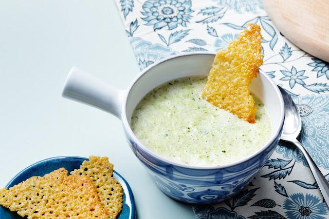 soups in winter? Creamybroccolileeksoup