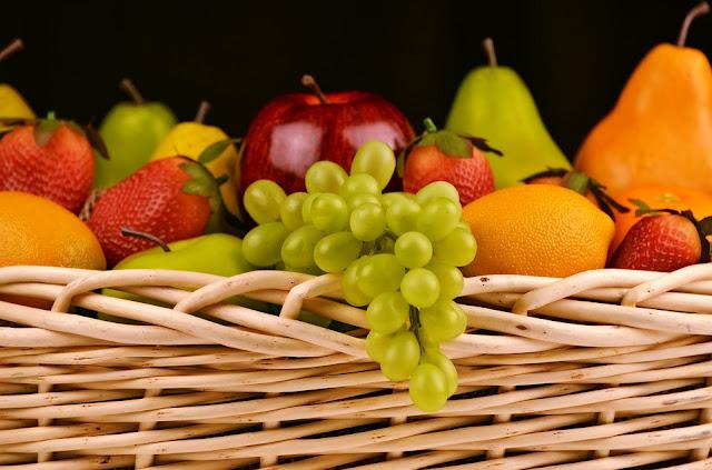 mencegah jerawat dengan mengkonsumsi buah