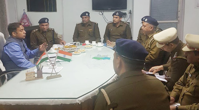 Police commissioner Dr. Qureshi suddenly visits of Balbangarh zone, details of demanding panding cases