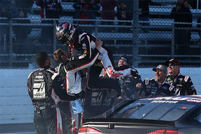 Clint Bowyer won his first race at Martinsville Speedway, leading a race high 215 laps in the Monster Energy NASCAR Cup Series STP 500.