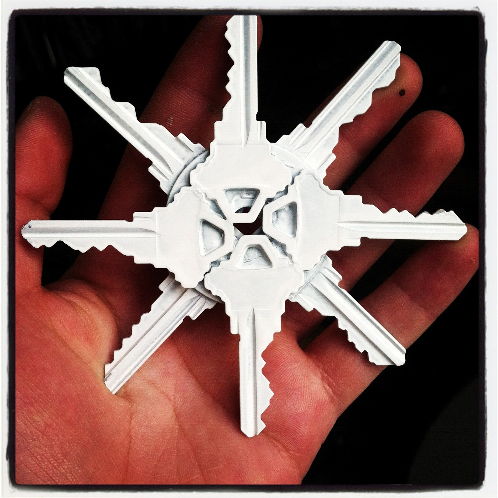 Key Decorations: One Wall At A Time: Pinterest Challenge #11: Snow Flakes