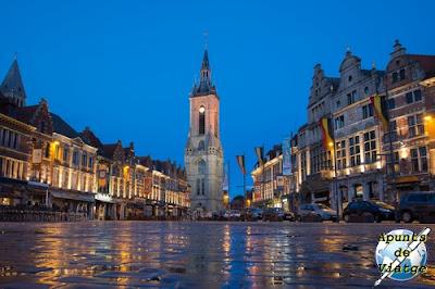 Tournai de noche