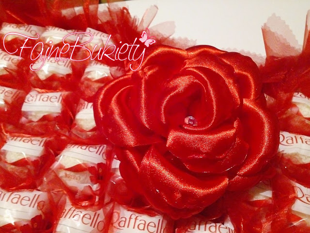 słodkie serce ze 100 raffaello