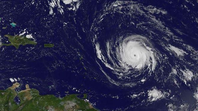 مشاهدة اعصار ايرما المدمر