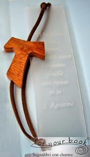 segnalibro ciondolo TAU san francesco in legno