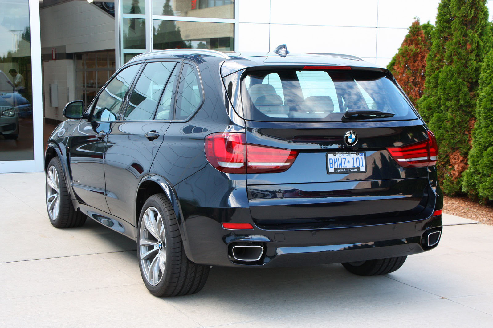 f15 2014 bmw x5 50i m sport uncovered town country bmw. Black Bedroom Furniture Sets. Home Design Ideas