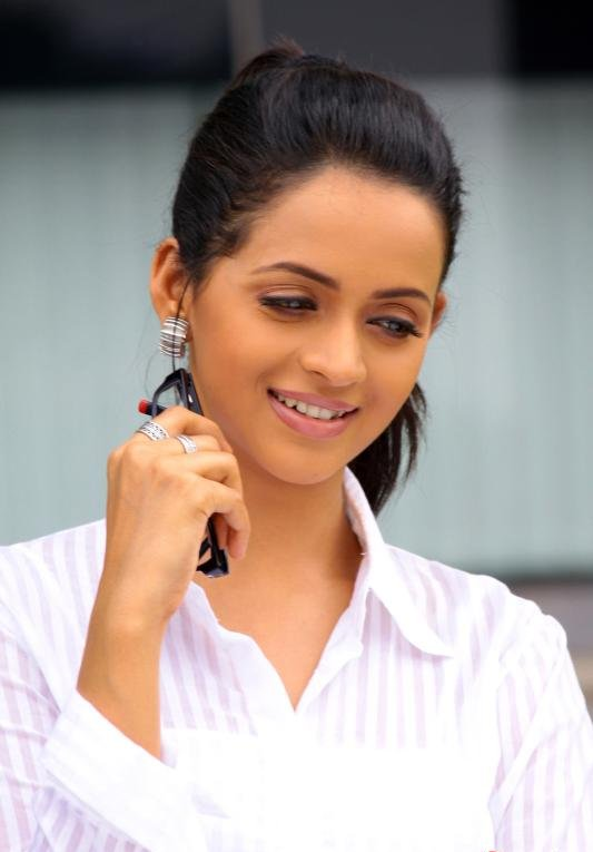 Tamil actor bhavana image - In time film synopsis