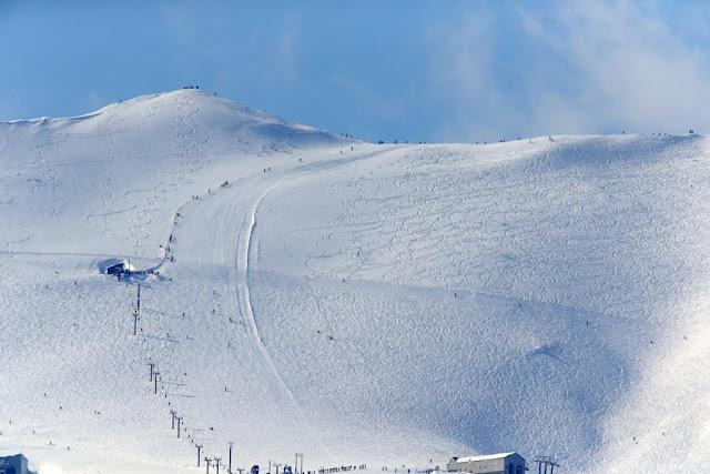 白い山、アンムプリ