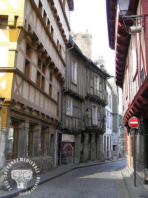 VANNES (56) - Rue Saint-Salomon : Maison aux animaux (XVe siècle)