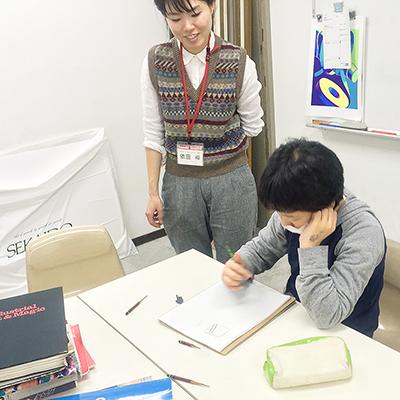 美術クラブ 横浜美術学院の中学生向け教室 ぜんぶ自分でつくる「自由制作」2