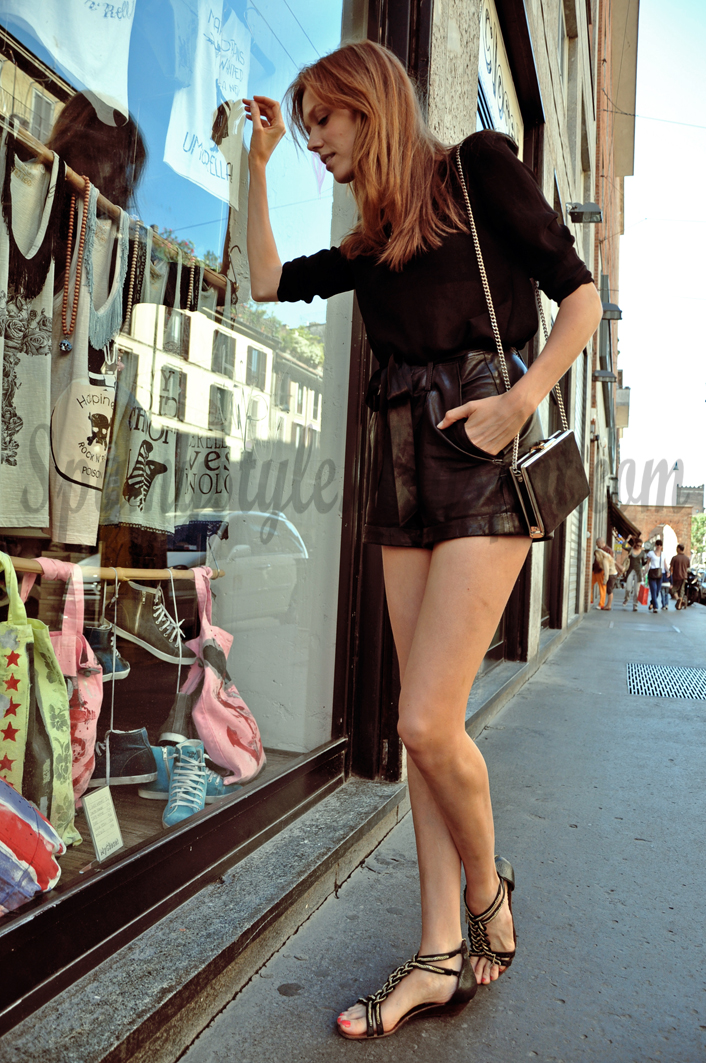 eb28c9d3dded24 Spy My Style: FRIDAY WITH CAROLINE- SMELLS LIKE THE 80'S
