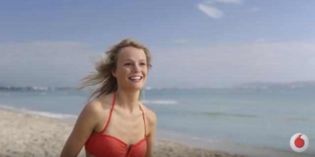 Canzone Pubblicità Vodafone Sei Lentissimo Corsa Sulla Spiaggia