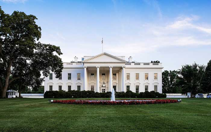 Which presidents did not live in the white house for Fun facts white house