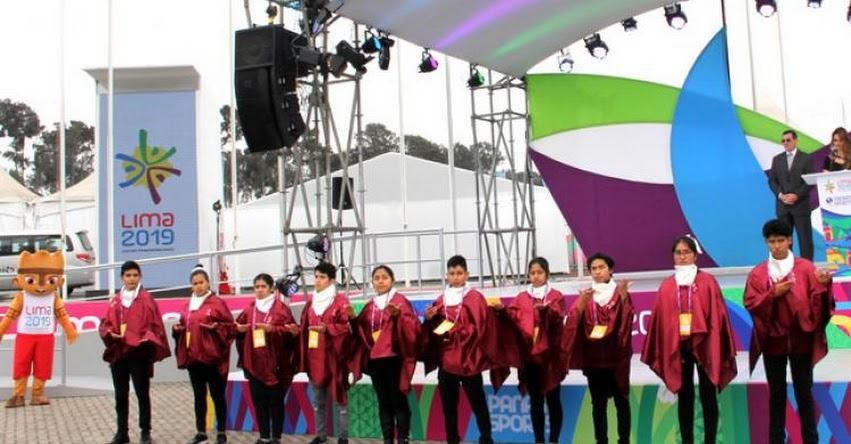 MINEDU: Con lengua de señas, estudiantes sordos dieron la bienvenida a deportistas de Panamericanos - www.minedu.gob.pe