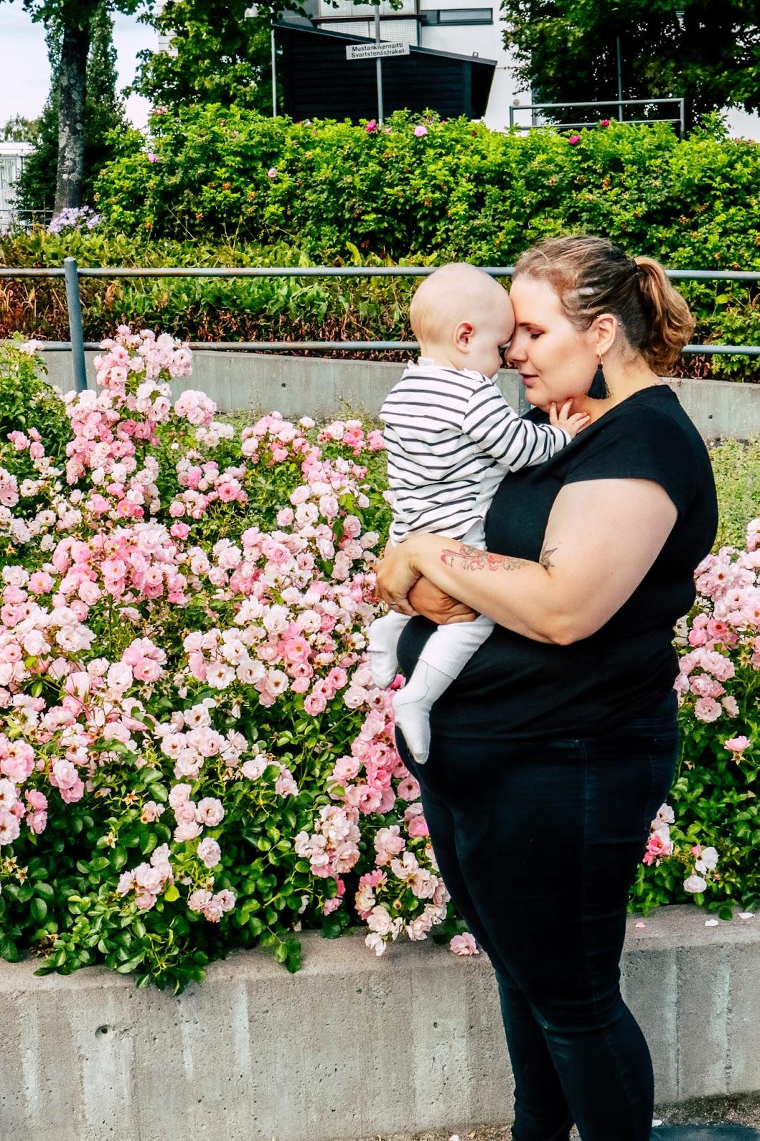 vauvavuosi, vauva, yhdeksän kuukautta, nukkuminen, syöminen, liikkuminen, kasvu, parhaat,
