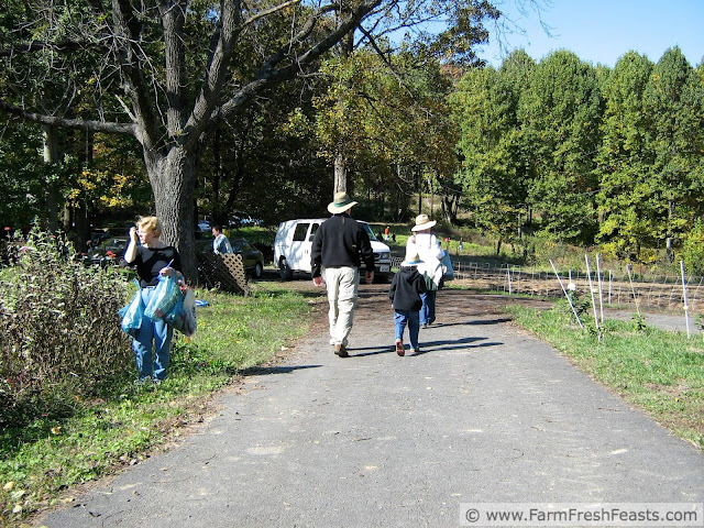 CSA members at Bull Run Mountain farm for a Fall gleaning day in 2006
