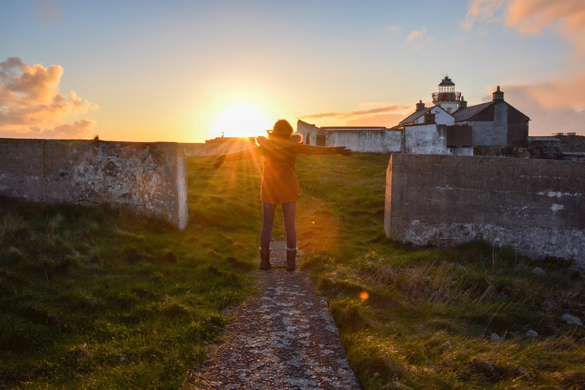 Pourquoi partir erasmus coucher de soleil galway irlande voyage liberté stage