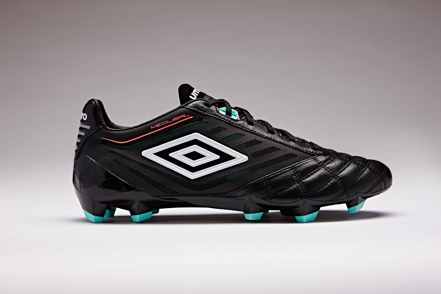 Umbro Unveils Two Classy Colorways For All New Medusae