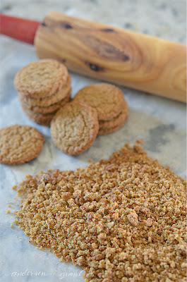 Crushed up gingersnaps for crust