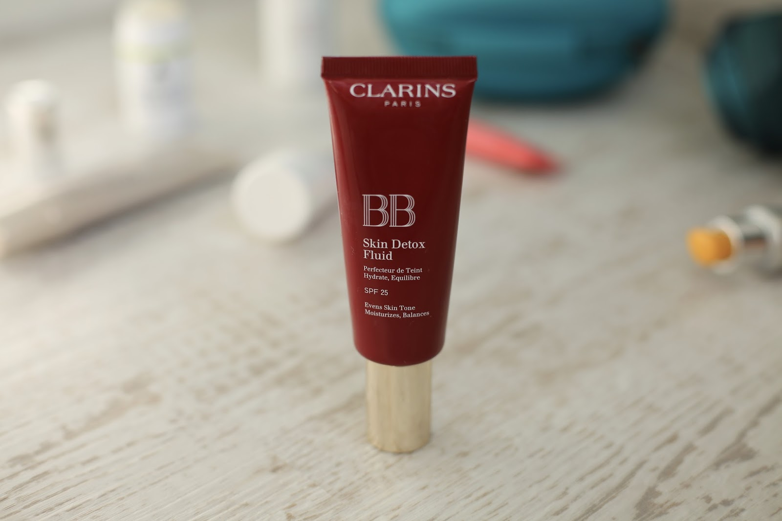Clarins BB Cream Skin Detox Fix