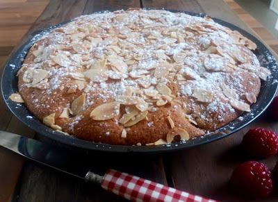 """alt=""""gâteau amandine aux framboises"""""""