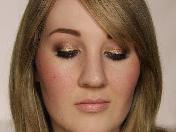 Blogger Link Up | A Very Naked FOTD