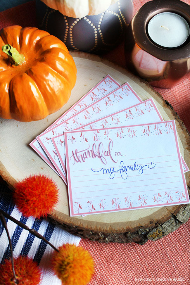hand lettered decor, thanksgiving decor, free thanksgiving cards