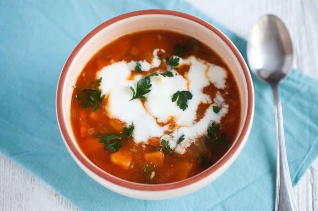 zupa-z-czerwonej-soczewicy-z-batatami