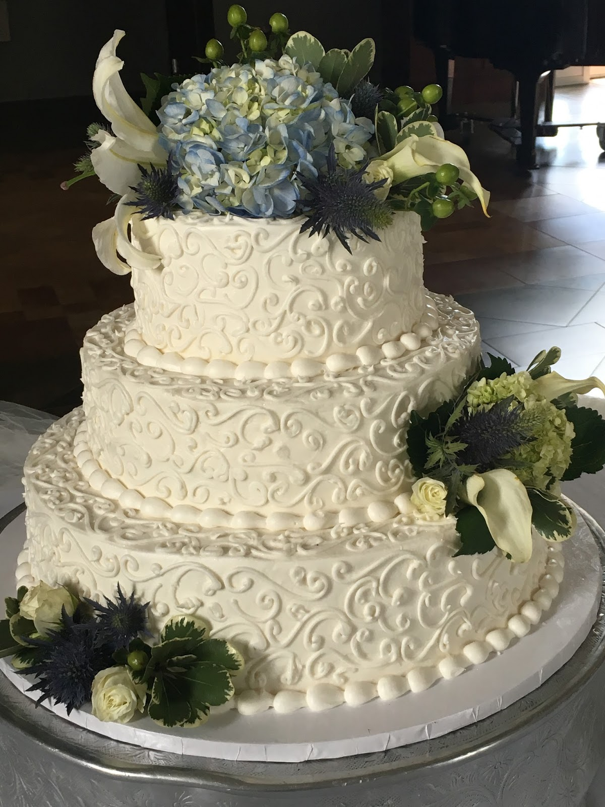 Yankee-Belle Cafe: It\'s Wedding Season!