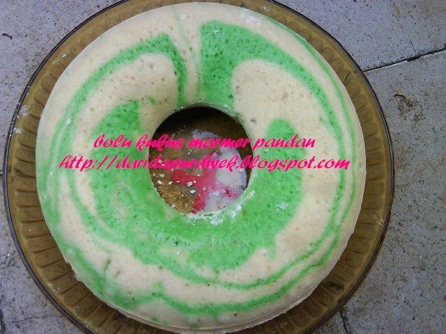 Resep Cake Kukus Pelangi Ncc: Dwek ... ~: Dapur Pemula :~: Bolu Kukus Marmer Pandan