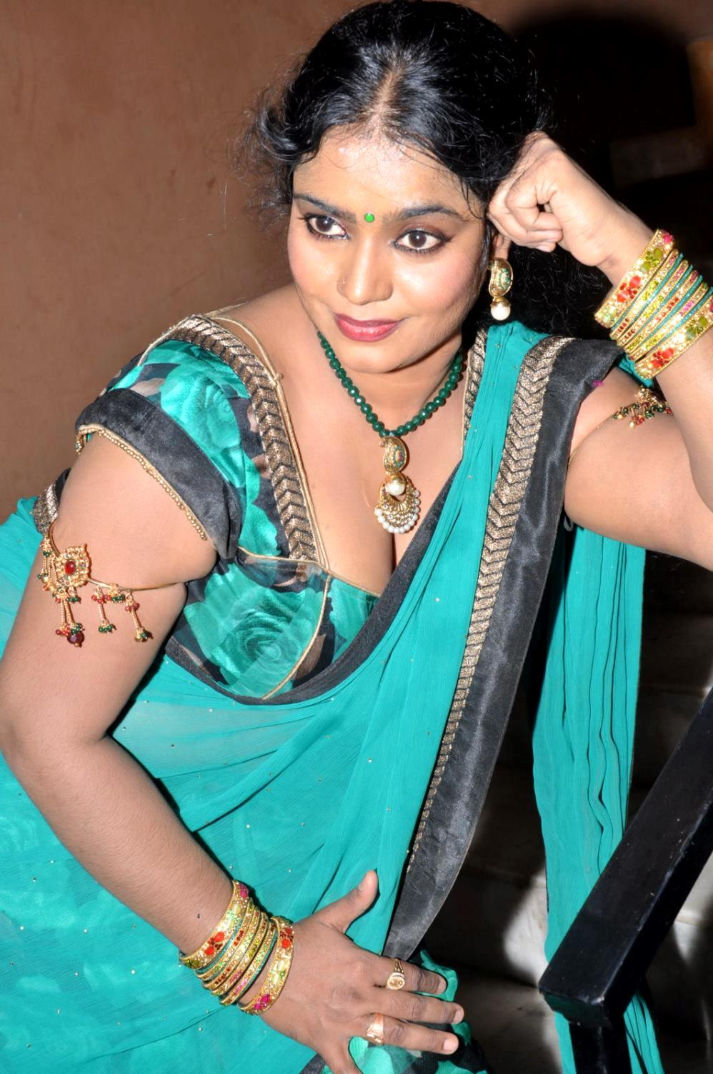 Jayavani hot pics