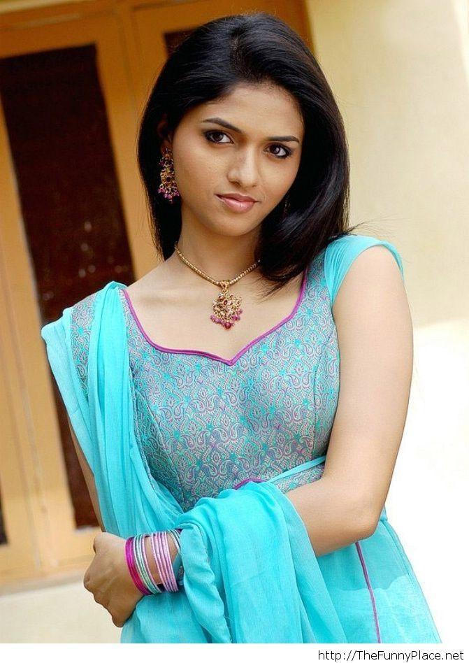 Indian Desi Girls Gallery 02 - Beautiful Indian Desi Girls