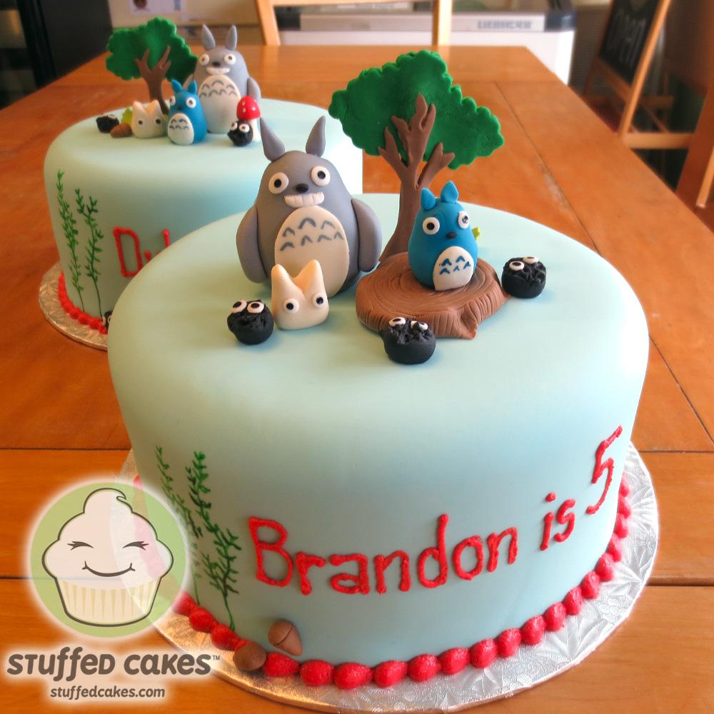 Make Totoro Cakes