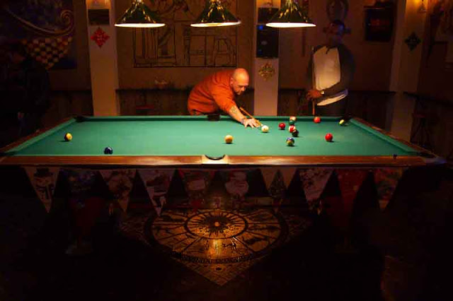 pool table, blliards,players