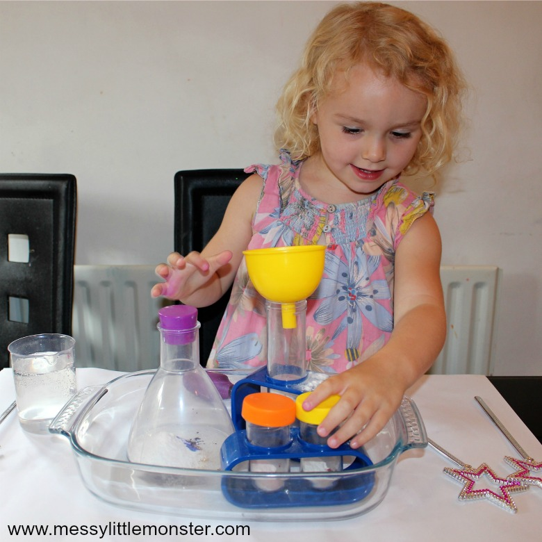 cool science experiments for preschoolers - baking soda and vinegar magic potions