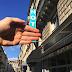Dedos que atravessam Paris