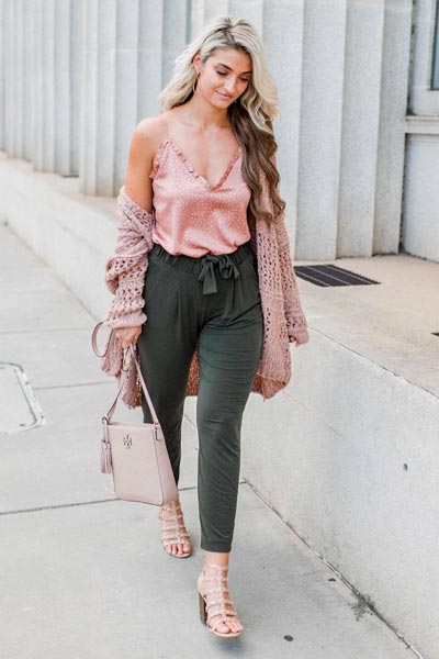 19 Stylish Fall Outfits to Copy in 2018 | Ruffle Layer Cami + Cardigan in mink + Mid Rise Ankle Jogger Pants + Comfity Sandals