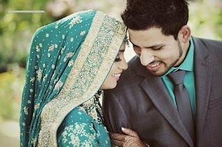Batasan Bermesraan Suami Istri di Bulan Ramadhan