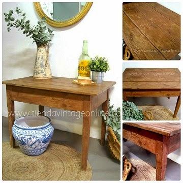 Mesa tocinera de madera restaurada para decoración. Comprar mesita auxiliar vintage estilo rústico.
