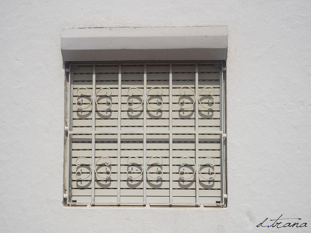 Ventana en Santa Luzia -  Portugal