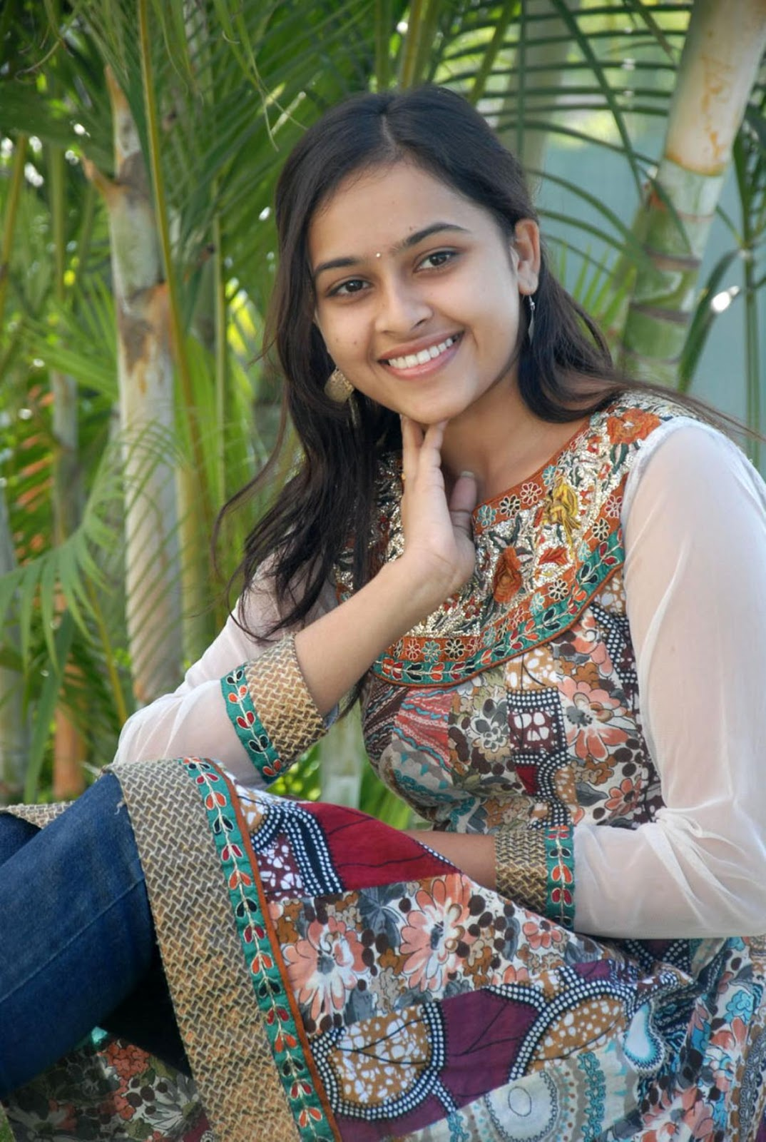 Tamil Actress Hd Wallpapers Actress Sri Divya Photos At -4684