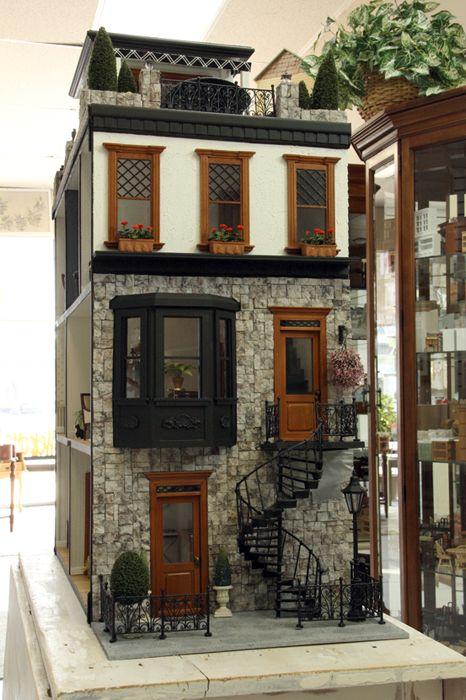 Boiserie c case di bambola dollhouse for Case tradizionali in stile ranch