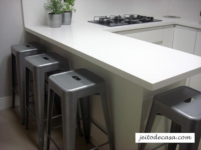 banquetas-metal-cozinha-contemporanea
