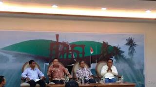Wakil Ketua Umum Partai Gerindra Fadli Zon (kedua dari kiri) dalam diskusi Ancaman Hoaks dan Keutuhan NKRI di Media Center Gedung DPR RI, Senayan, Jakarta, Jumat (5/10/2018). Foto dok. Tribunnews