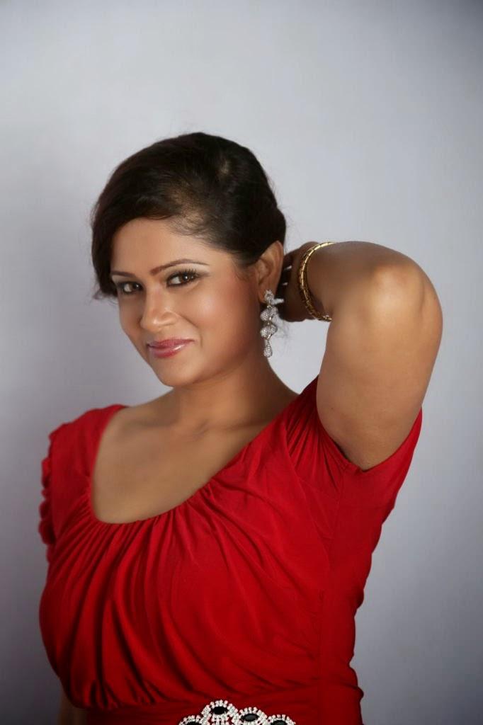 bealutiful Shilpa chakravarthy photos in red dress