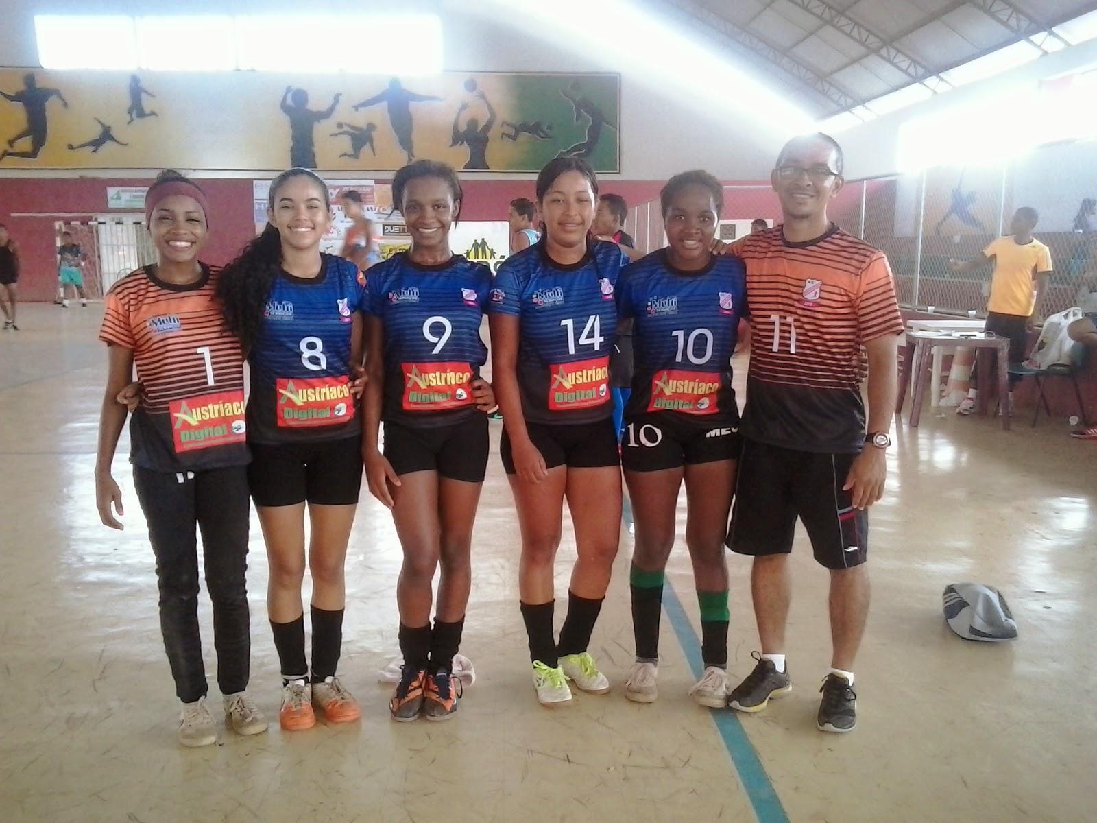 afd3861103af8 Esporte Codoense  B11 estréia uniforme e vence o III Torneio Amantes do Futsal  Feminino