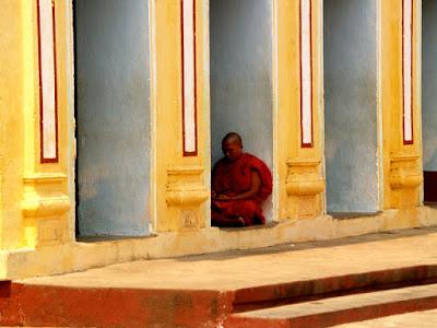 Myanmar - Bagan: Shwe Zi Gone Pagoda (37 Nats Temple)